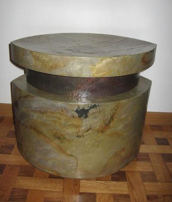 Puff in pietra complementi di arredamento parquet for Pezzi di arredamento